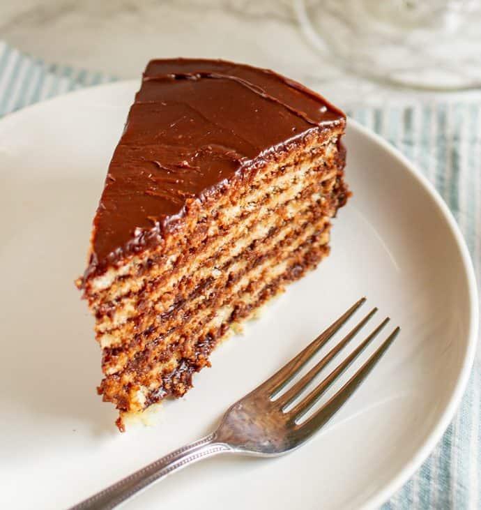 Smith Island Cake | #TheCakeSliceBakers